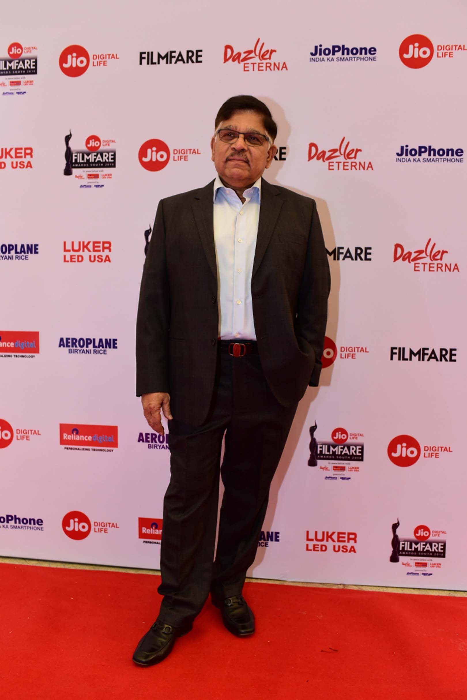 Galaxy of stars shine at the 65th Jio Filmfare Awards South