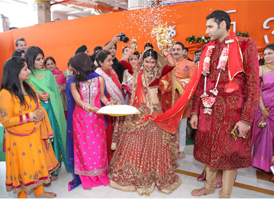 The Reception Is Organised Anywhere Between Same Day As Wedding And A Few Days After It More Casual Celebration Of Newlyweds