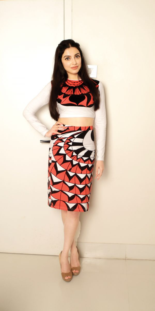 Divya-Khosla-Kumar-what-they-wore-skirt