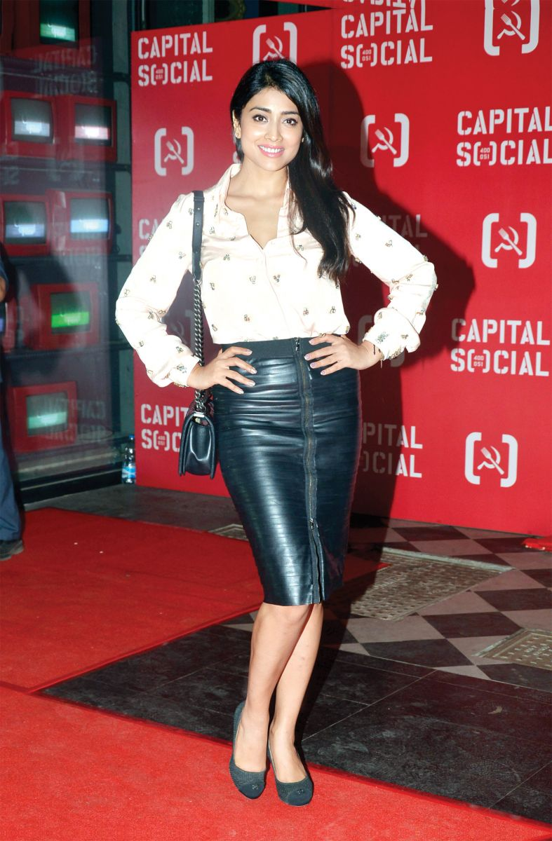 Shriya-Saran-what-they-wore-skirt