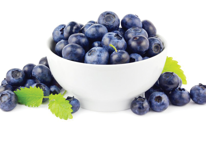 Blueberries, they improve circulation to the scalp and strengthen hair, reducing breakage
