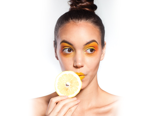 lemons helps to remove scars, acne and blackheads