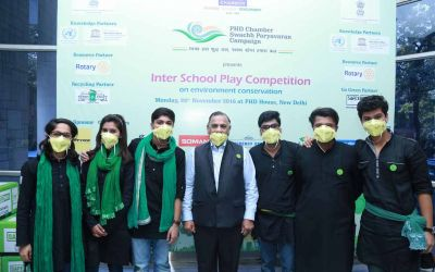 Mr GS Singhvi along with the students at the Inter School Play Competition