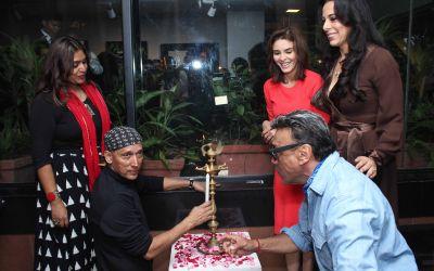 Rupali Madan, Gautam Patole, Raageshwari, Jackie Shroff and Pooja Bedi at the lamp lighting