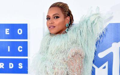 Beyonce-wins-big-VMA-2016