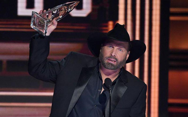 2017-CMA-Awards-winner
