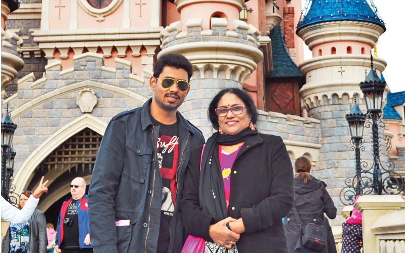 Aakanksh-and-Dr-Rathna-at-Disneyland-Paris