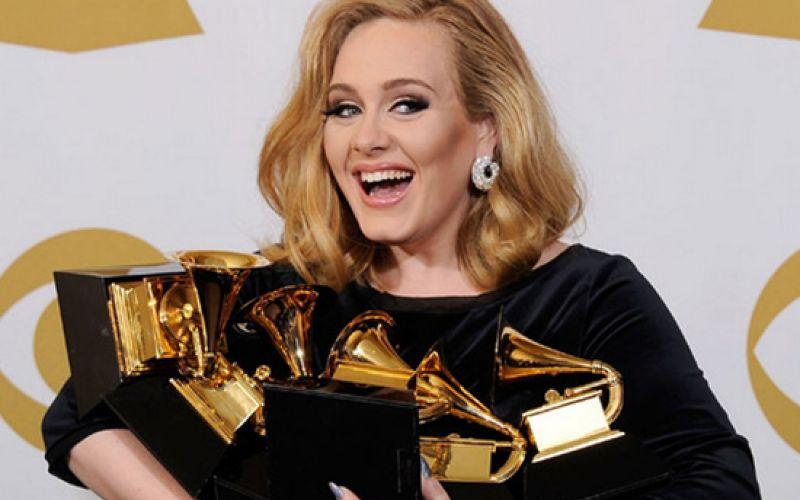 Adele-Returns-With-'Hello'