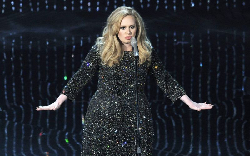 Adele is reportedly in talks to headline next year's Super Bowl half time show.