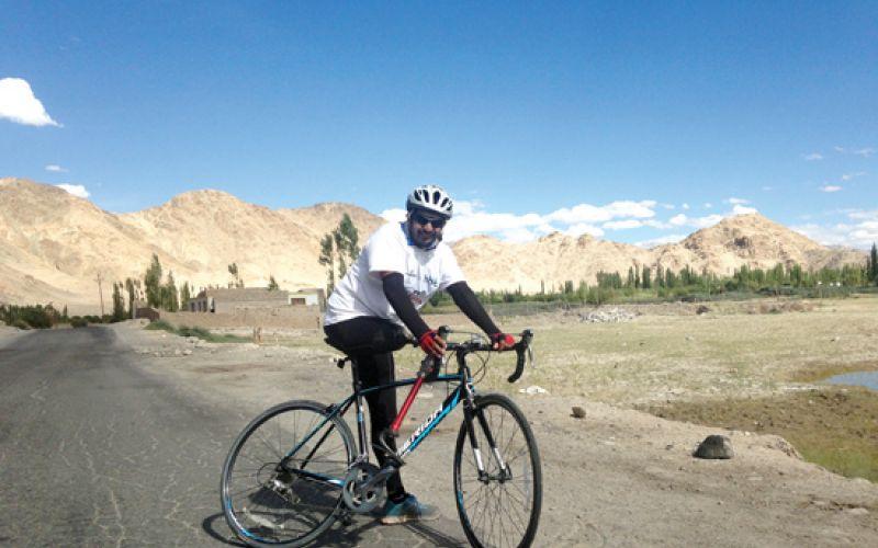 Aditya Mehta cycled from Manali to Khardung La