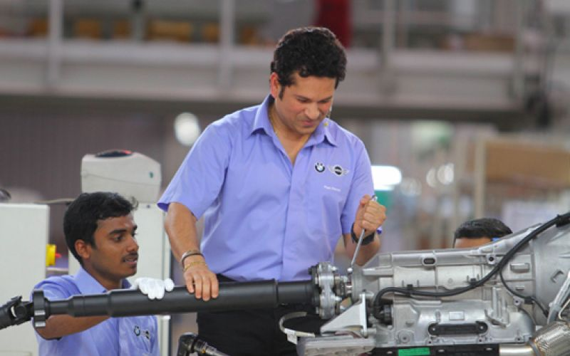 BMW PARTICIPATES IN 'MAKE IN INDIA', SACHIN ASSEMBLES 5 SERIES