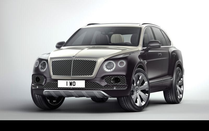 An Extraordinary Mulliner Exterior The Bentayga Mulliner is the most exquisitely appointed luxury SUV ever created, and will appeal to owners searching for the pinnacle of go-anywhere motoring, with the finest performance and comfort. This new model introduces striking optional Duo Tone paintwork for the first time. The elegant finish is achieved by choosing the perfect proportional balance point for the split, the resulting effect making the cabin and bonnet appear as though it is floating. The new Mulline