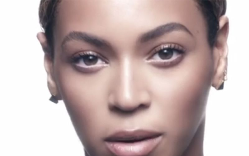 Get smooth skin like Beyoncé using this Barley scrub