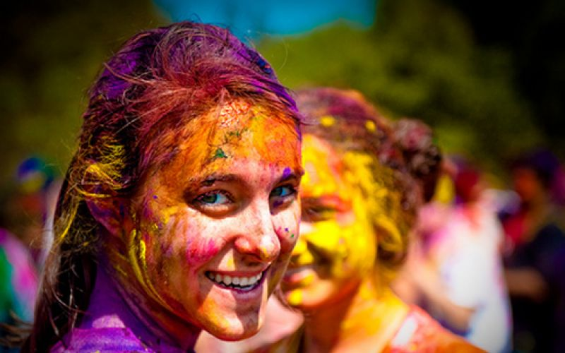 Holi Special Tips To Protect Your Skin And Hair
