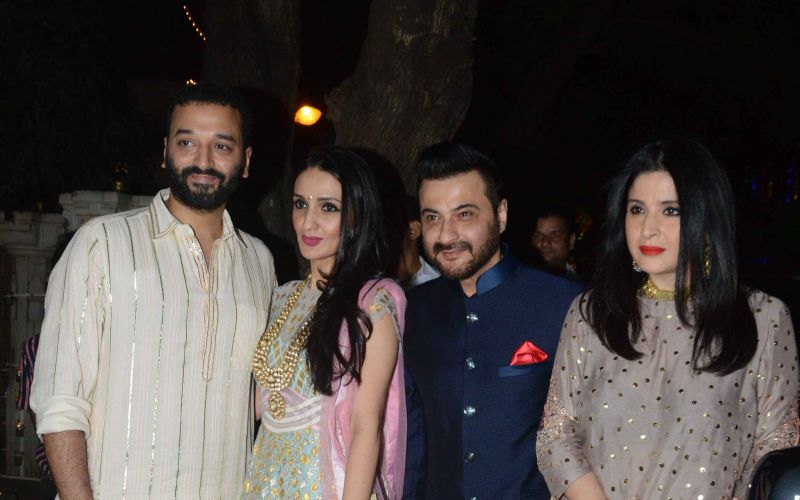 Anil Kapoor hosts glamorous Diwali bash at his home