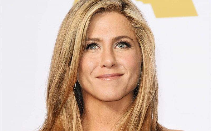 Jennifer Aniston to adopt from Mexican orphanage