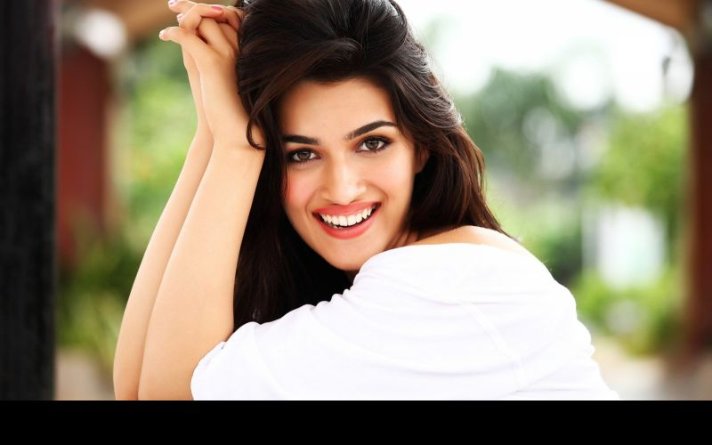 SRK is someone you start loving after knowing: Kriti Sanon