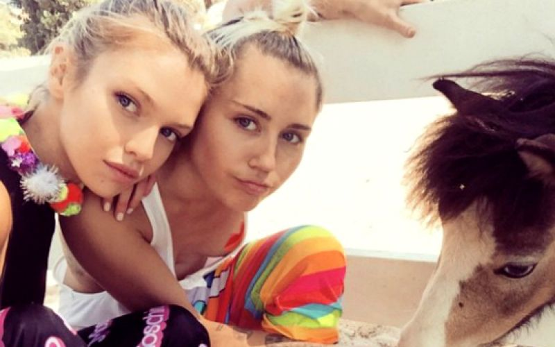 Miley Cyrus Is Dating Victoria's Secret Angel