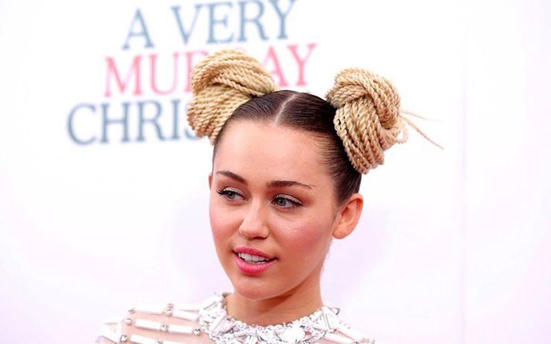 Miley-Cyrus-red-carpet