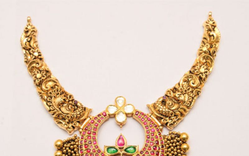 Shankarlal & Sons is one of the leading family jewellers
