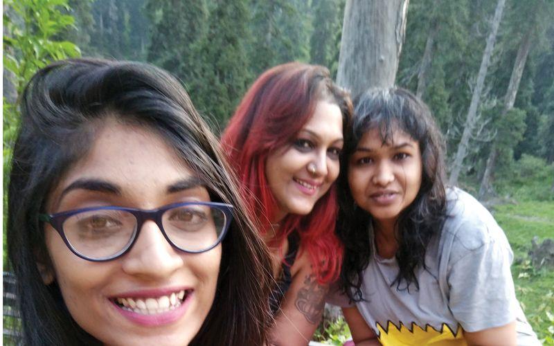 Smita-with-Komal-and-Sharuna