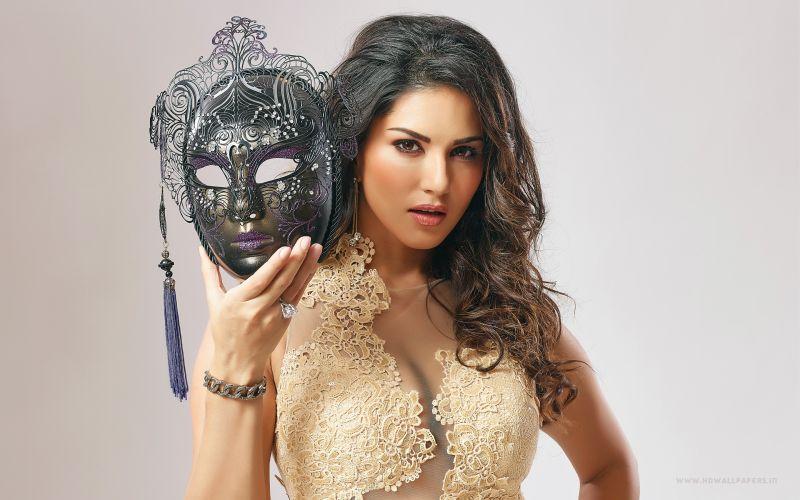 Sunny Leone Slams Rakhi, Celina's Comments