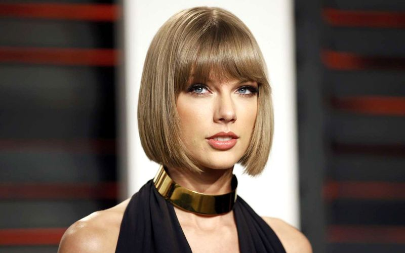 Taylor-Swift-forbes-singer