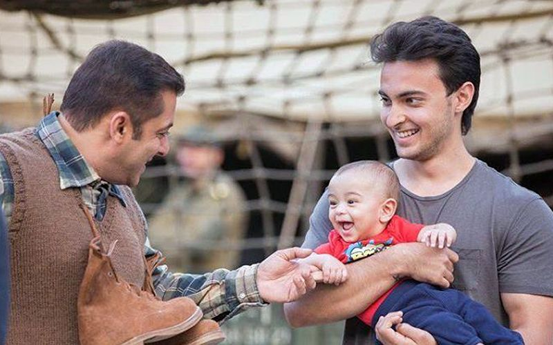 Salman Khan and Ahil look adorable in this picture shared by Arpita Sharma