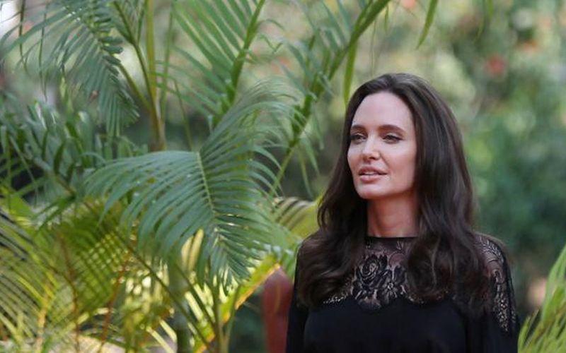 actress-angelina-jolie