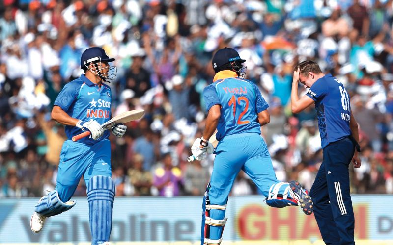 Second ODI: Yuvraj and  Dhoni steer India to a  series-clinching win