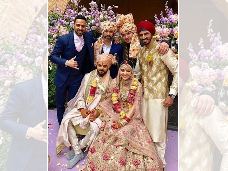 Virat and Anushka with friends